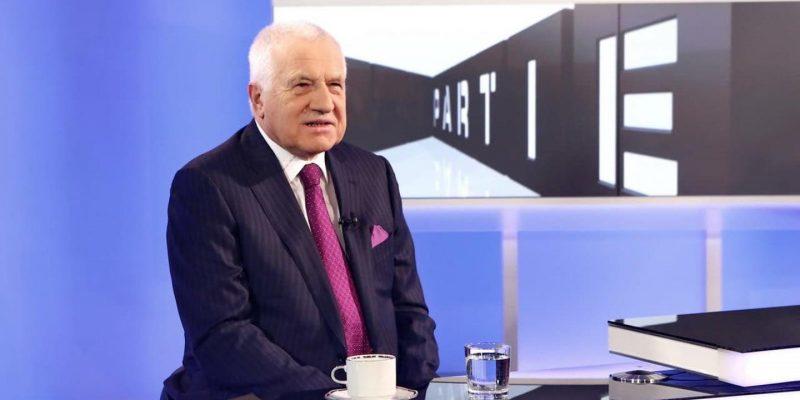 Exprezident Klaus letos volil bez novinářů. Svou volbu neprozradil, ale pochválil SPD