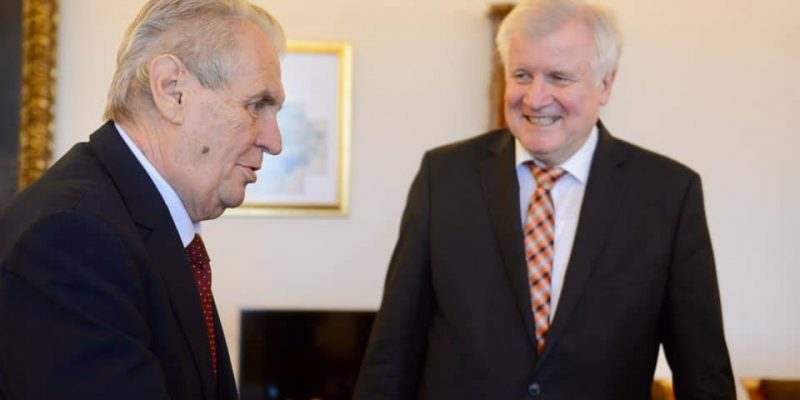 Prezident přijal spolkového ministra vnitra, stavebnictví a domoviny Seehofera, hovořili o migraci
