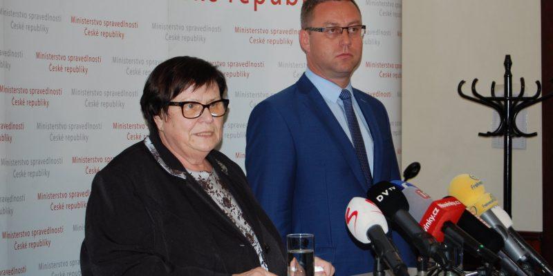 Nejvyšší státní zástupce se chce na Babišově střetu zájmu jen zviditelnit, prohlásil Zeman